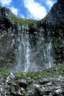 夏のフレペの滝