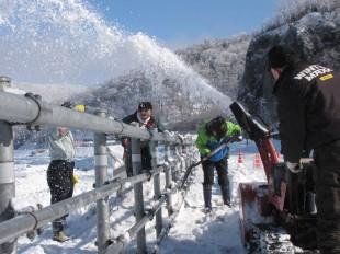 ガードレールの雪かきボランティアに参加しました①