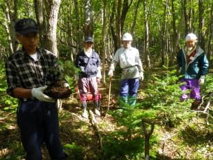 作業前には、森の番人から説明があり、みんな真剣に耳を傾けました。