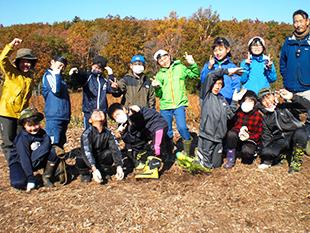知床ウトロ学校4年生が森づくり作業を体験しました